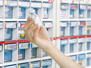薬剤師業務風景